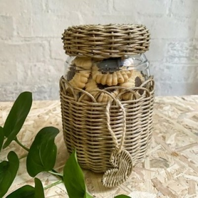 Wicker jar